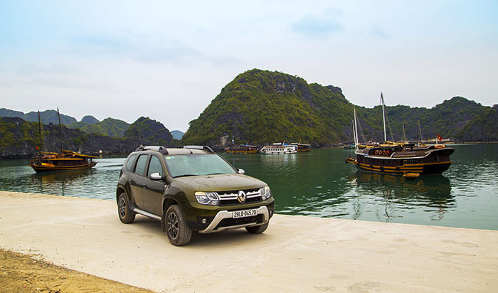 Auto in Halong Bay